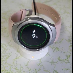 FREE SHIP:  Samsung Gear S2